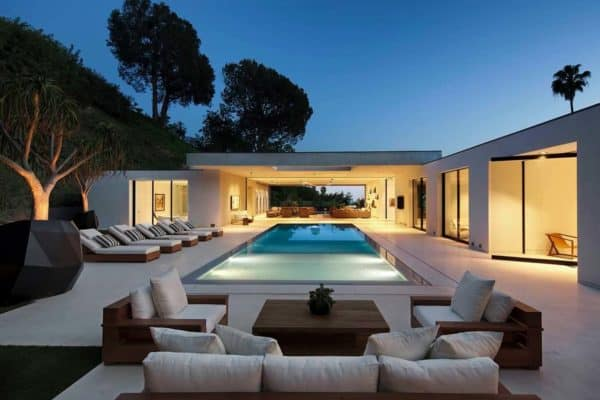 featured posts image for Fabulous modern home in Beverly Hills boasting indoor-outdoor living