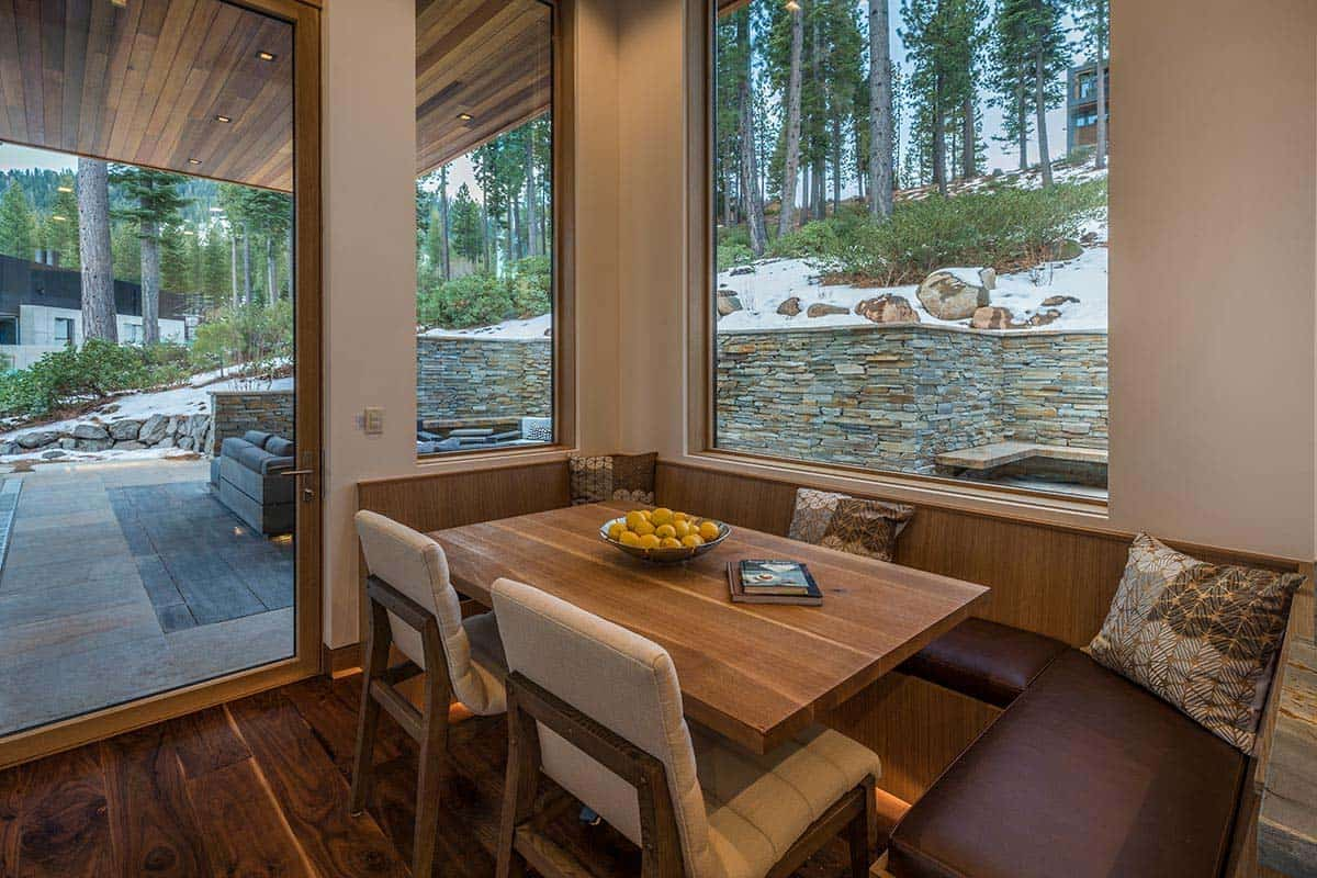 modern-mountain-home-breakfast-nook