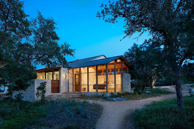 ranch-farmhouse-porch