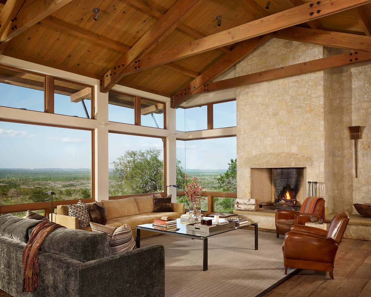 ranch-farmhouse-living-room