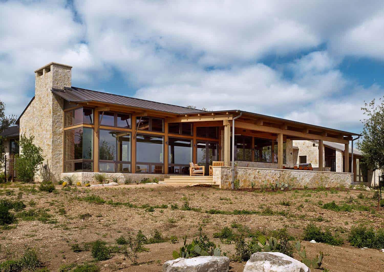 ranch-farmhouse-exterior