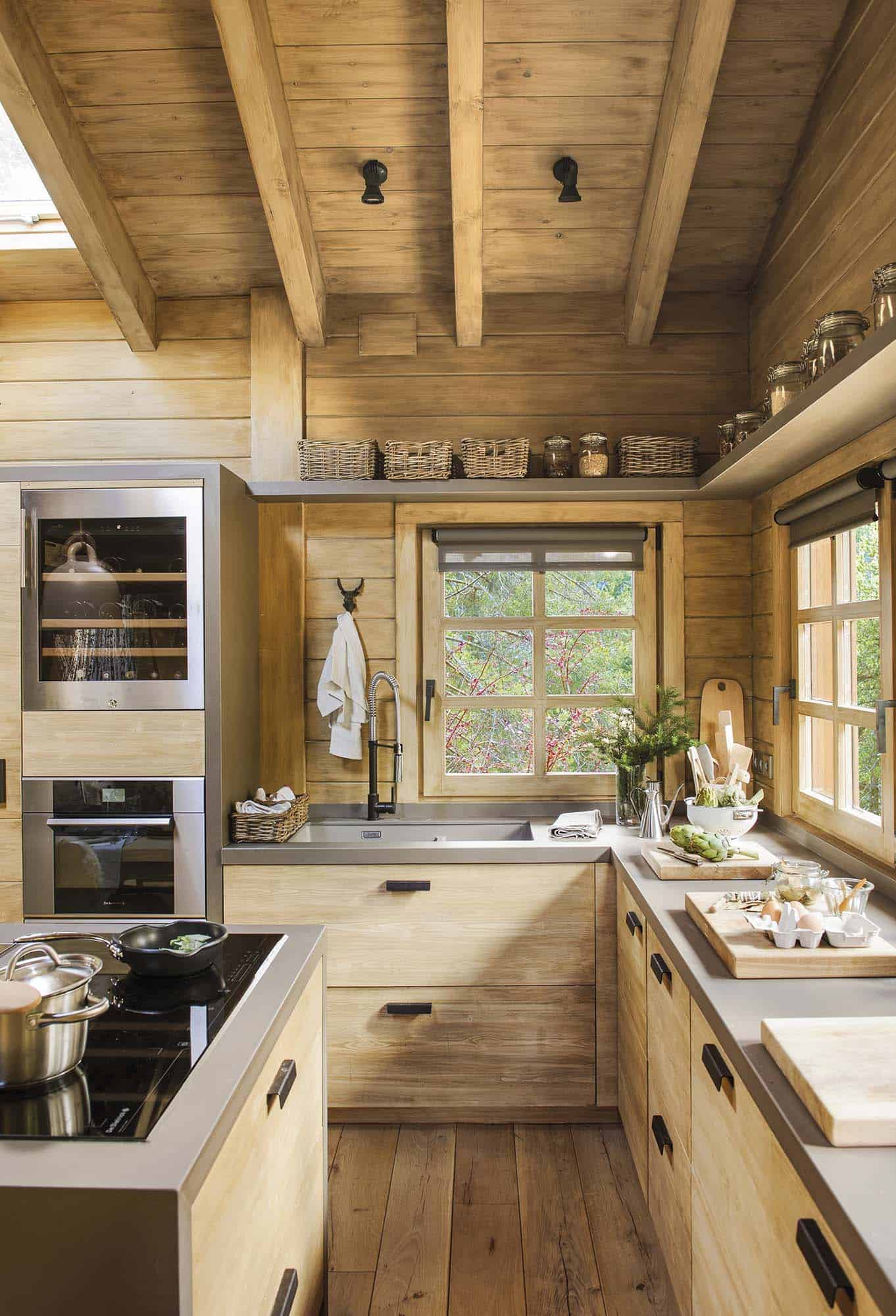 rustic-dream-cabin-kitchen