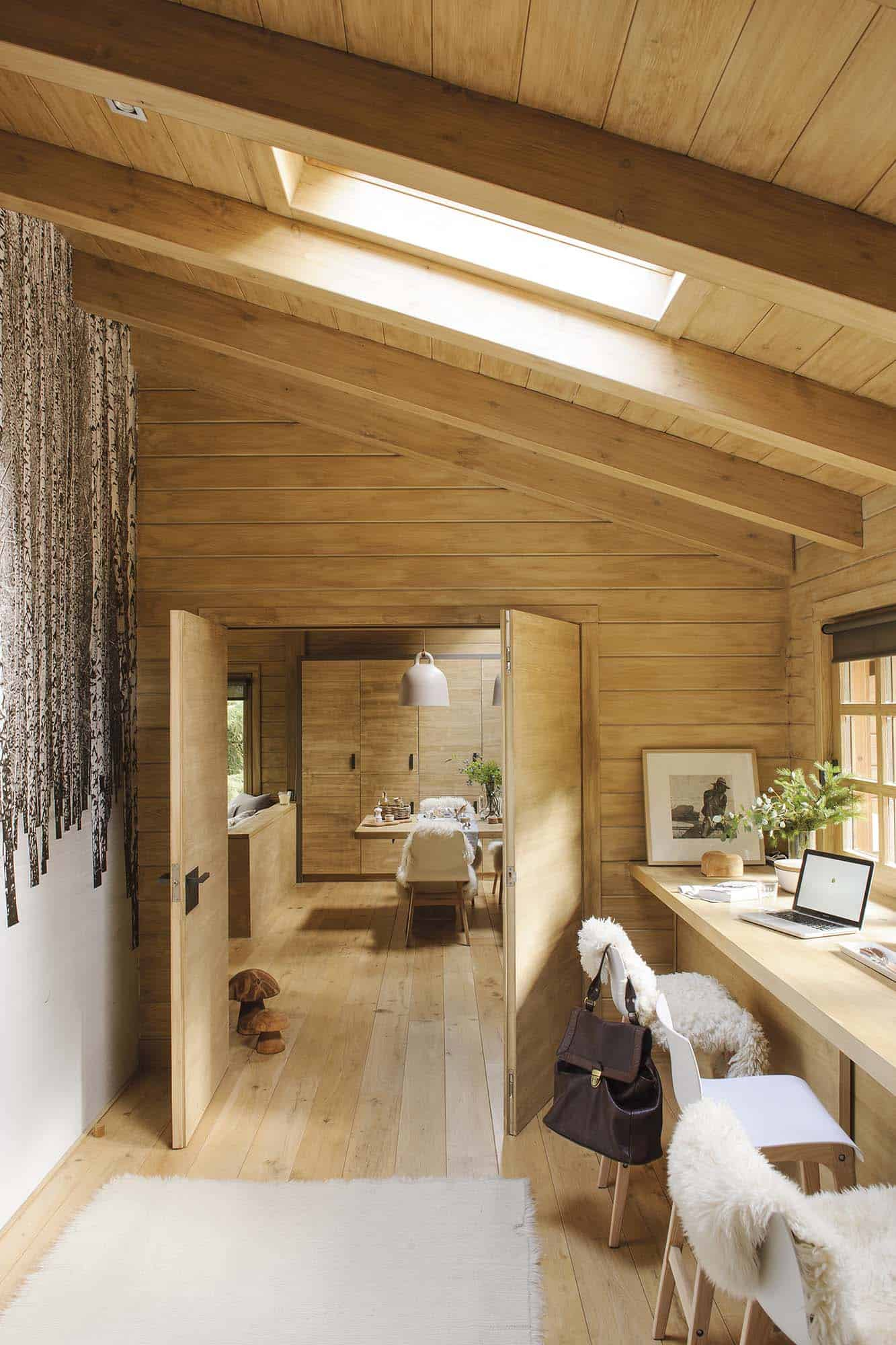 rustic-dream-cabin-home-office