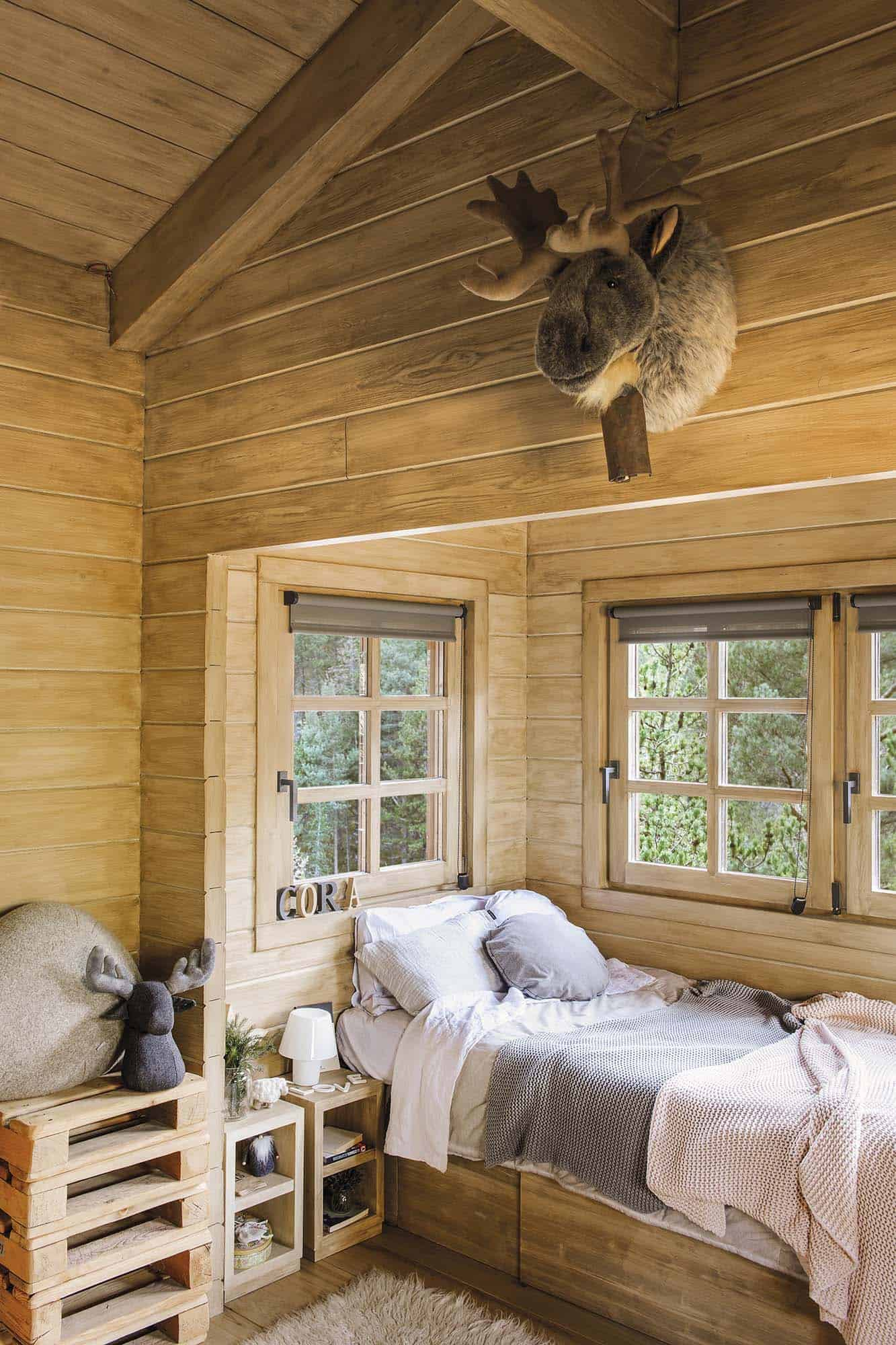rustic-dream-cabin-kids-bedroom