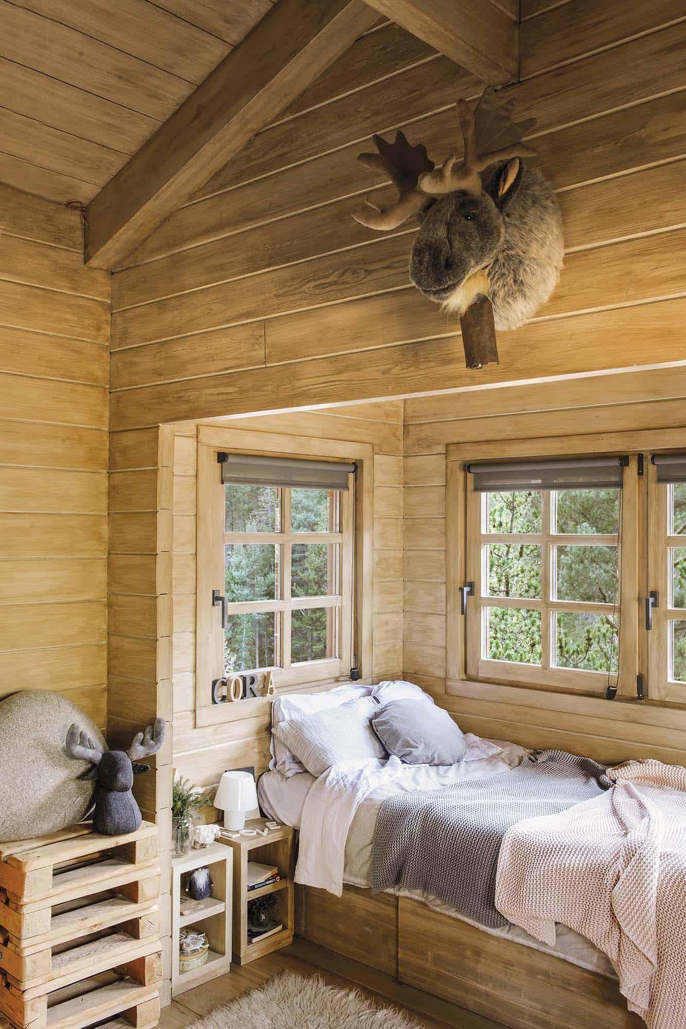rustic-dream-cabin-kids-bedroom