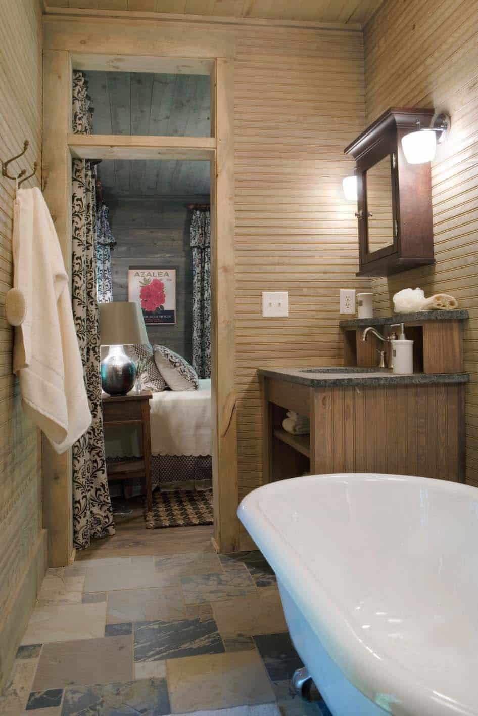 cottage-rustic-bathroom