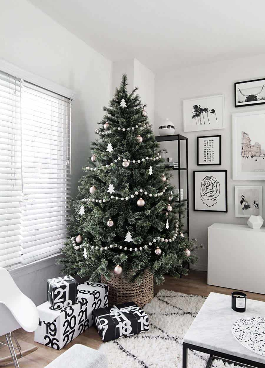 scandinavian-christmas-tree