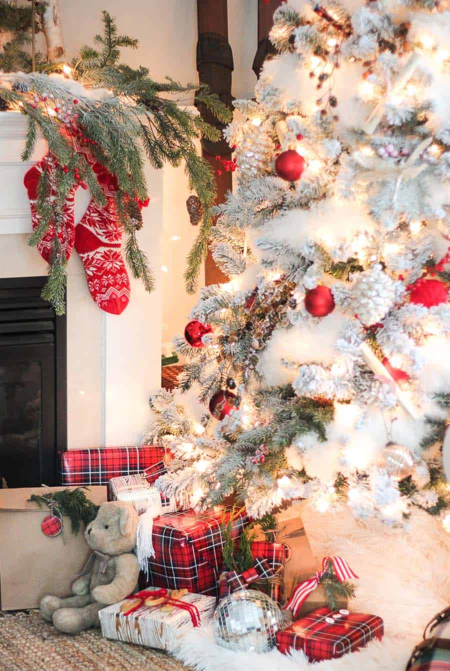 25 Absolutely Stunning White Christmas Tree Decorating Ideas Fitflopsale Singapore Info