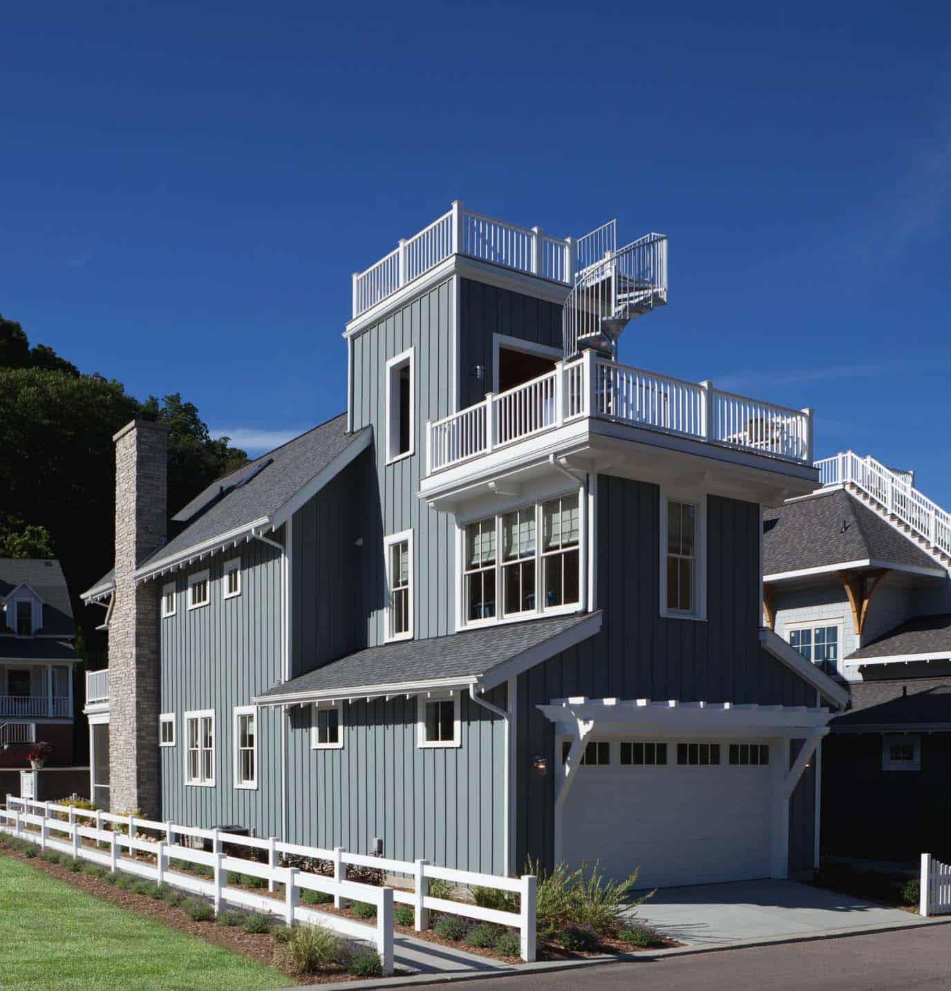 beach-style-cottage-exterior
