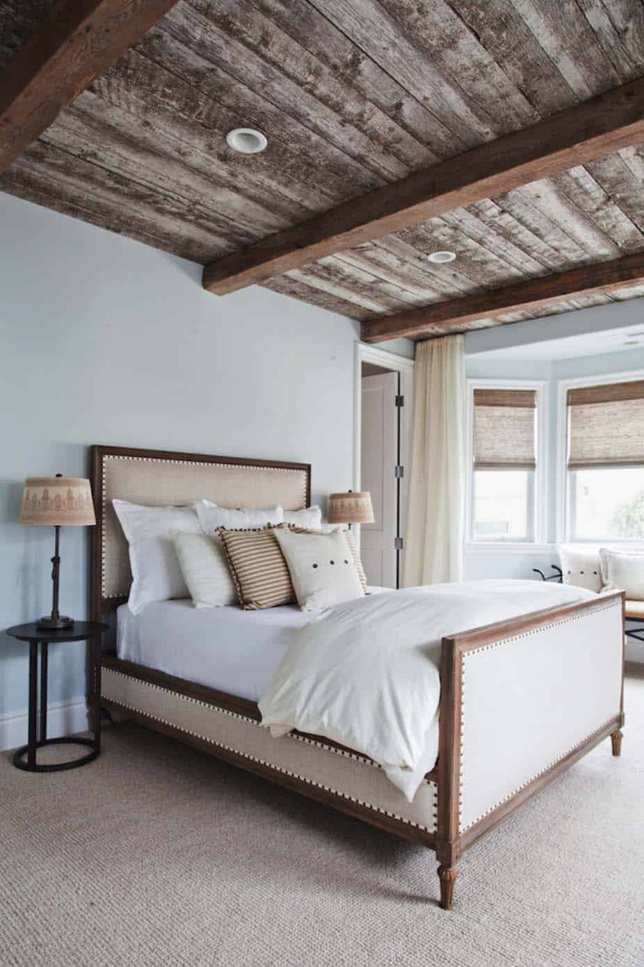 coastal-luxe-beach-style-bedroom
