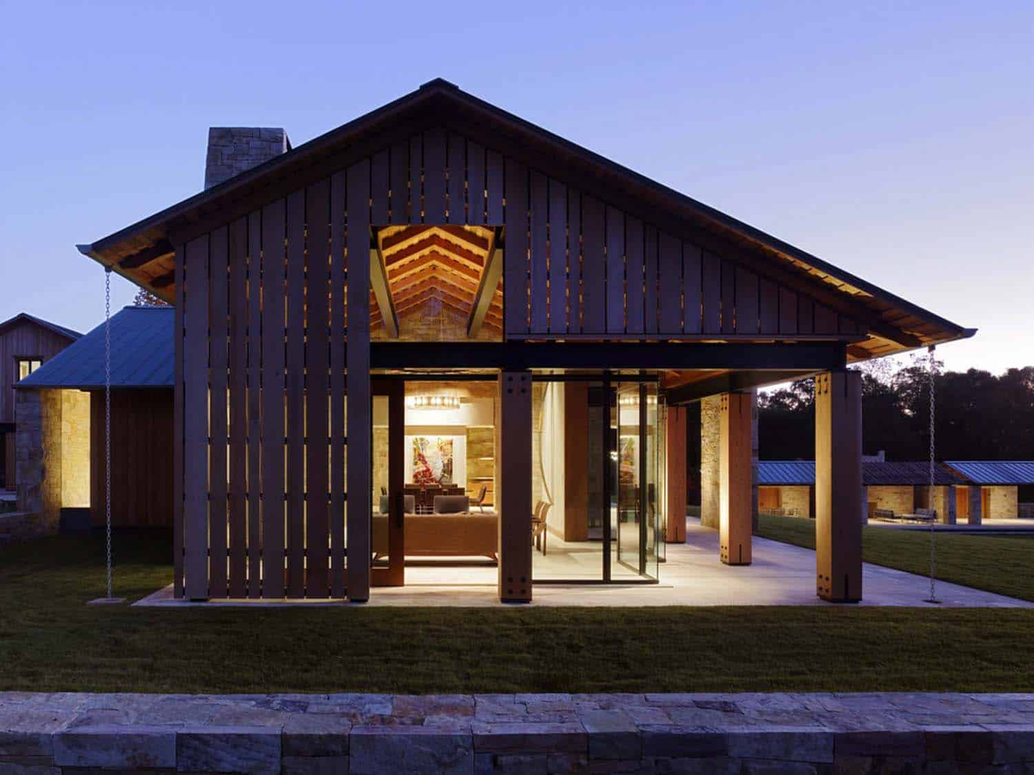 contemporary-farmhouse-exterior