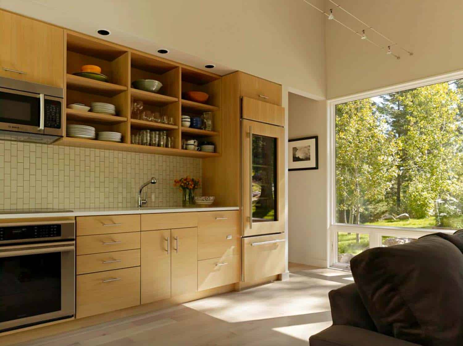 guest-house-contemporary-kitchen