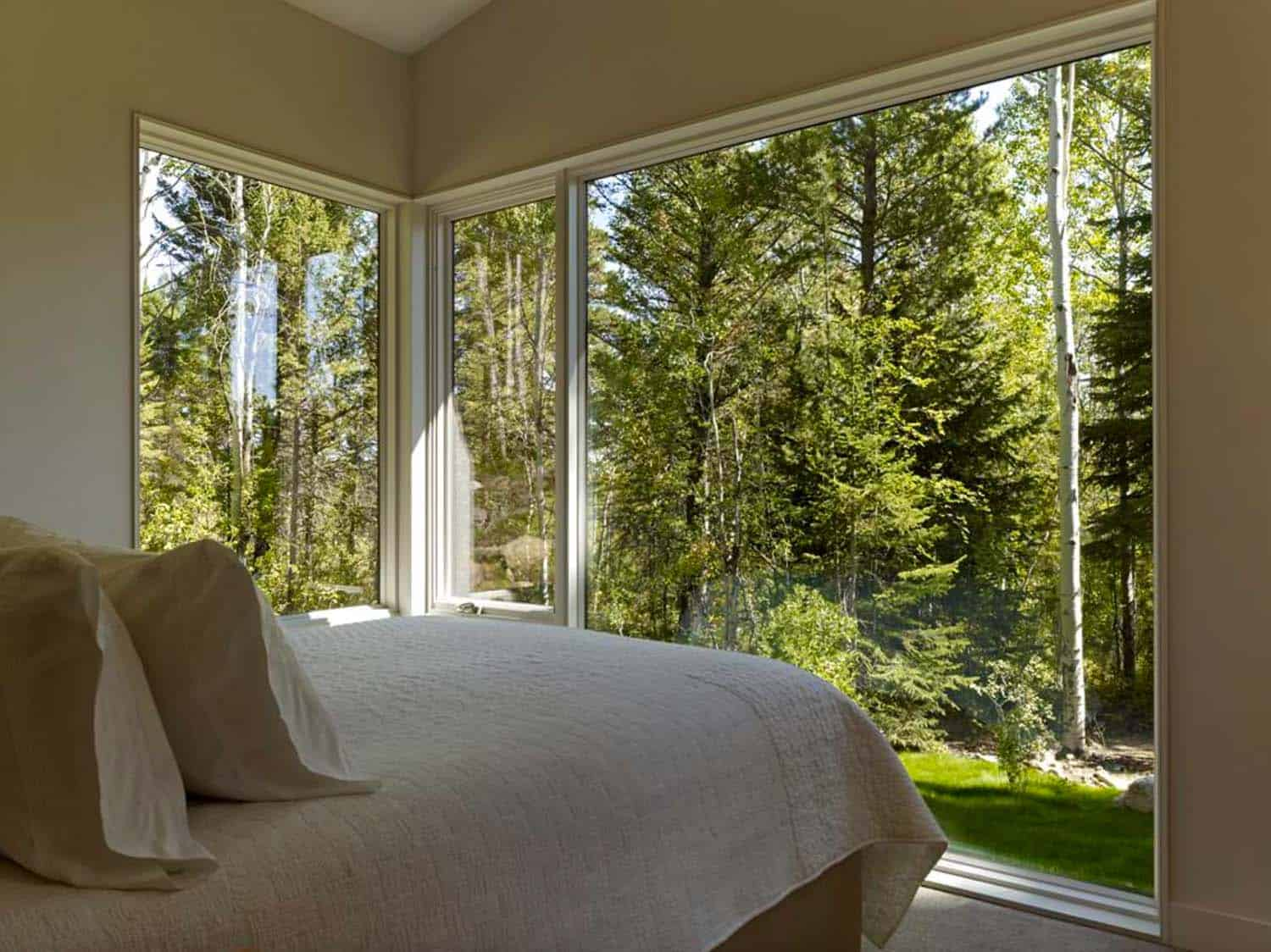 guest-house-contemporary-bedroom
