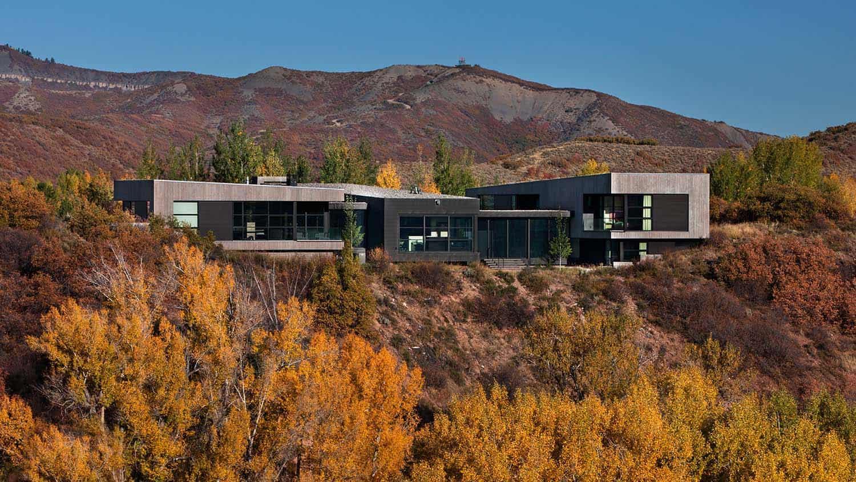 contemporary-hillside-house-exterior