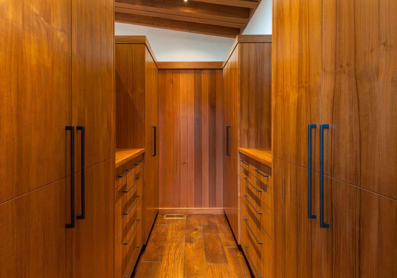 contemporary-closet