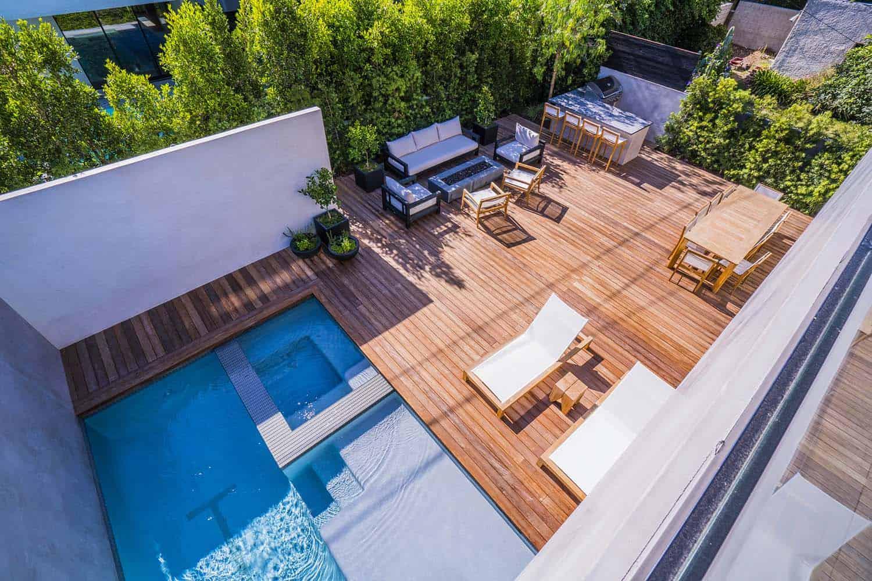 contemporary-home-outdoor-deck