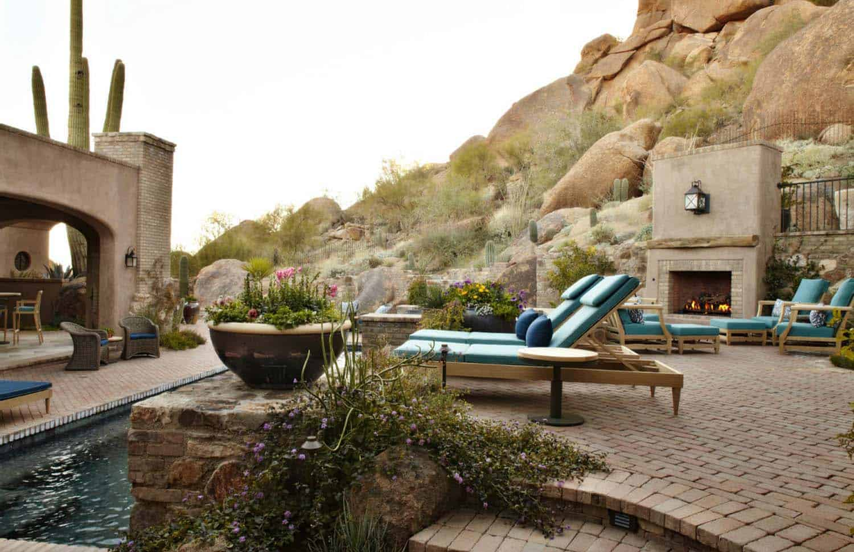 mediterranean-style-home-patio