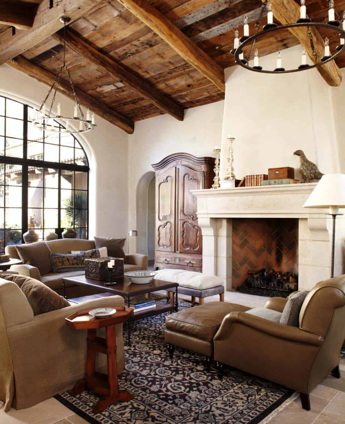 Mediterranean Style Living Room: Breathtaking Mediterranean Style Villa In Arizona Melds