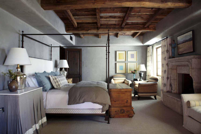 mediterranean-style-home-bedroom