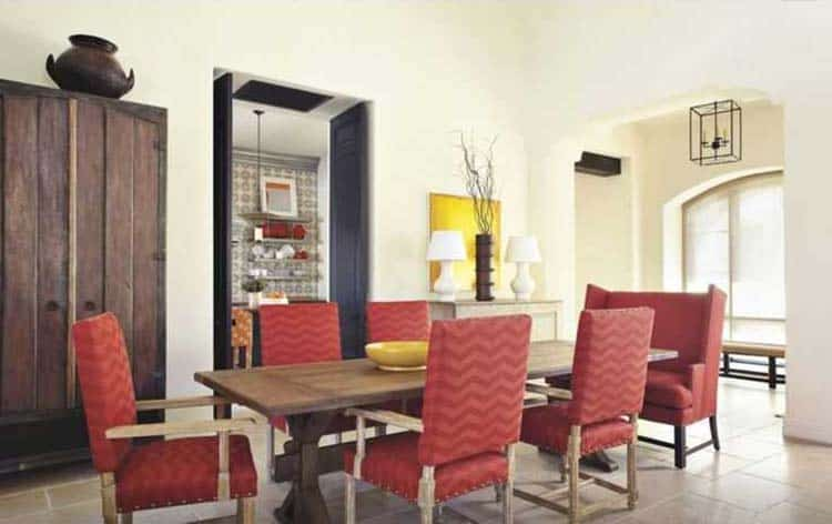 mediterranean-style-dining-room