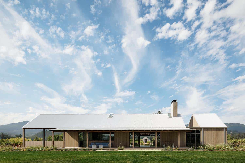 modern-farmhouse-retreat-exterior