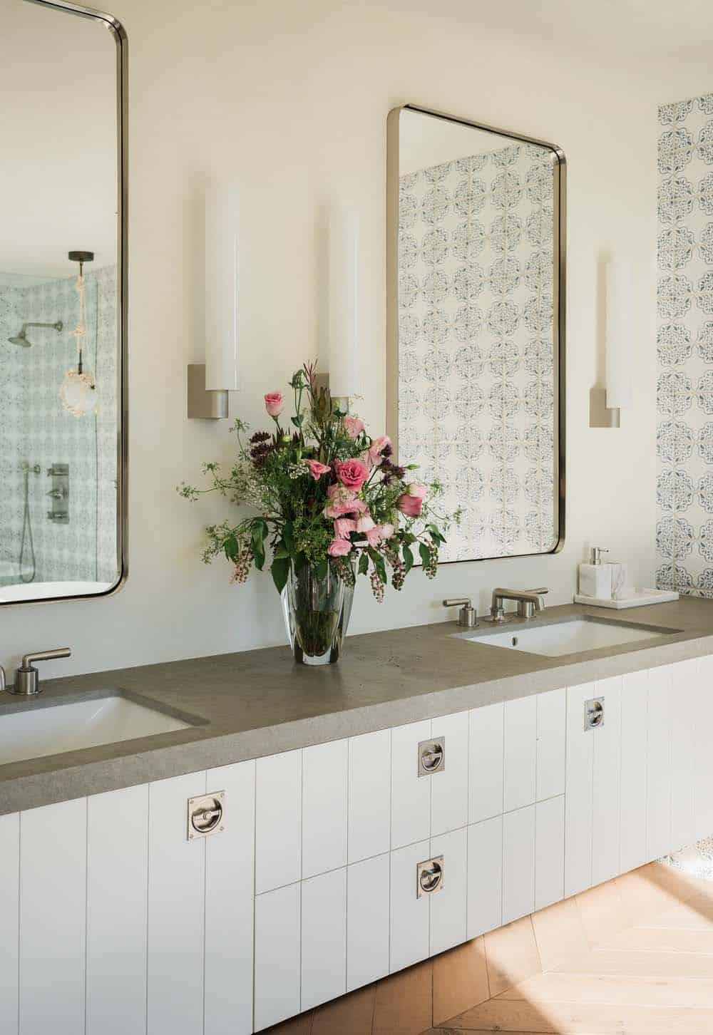 modern-farmhouse-retreat-bathroom