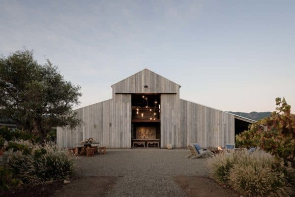 featured posts image for Striking modern farmhouse retreat surrounded by Napa Valley vineyards