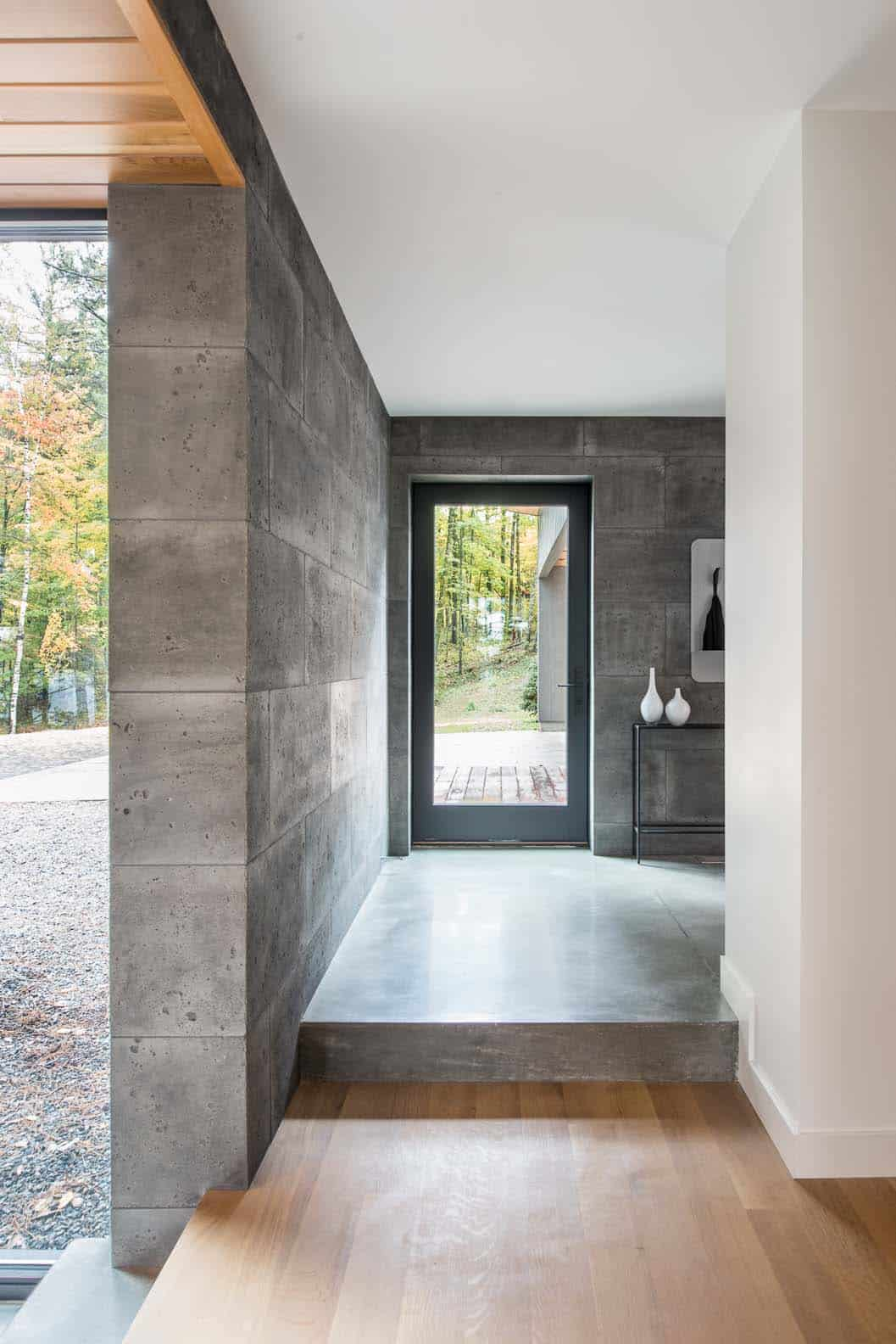 lake-home-contemporary-entry