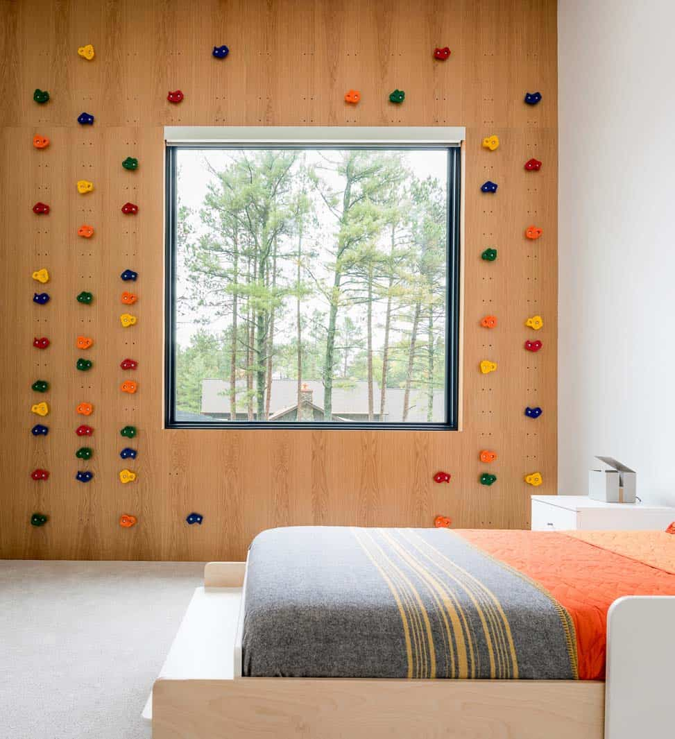 lake-home-contemporary-kids-bedroom