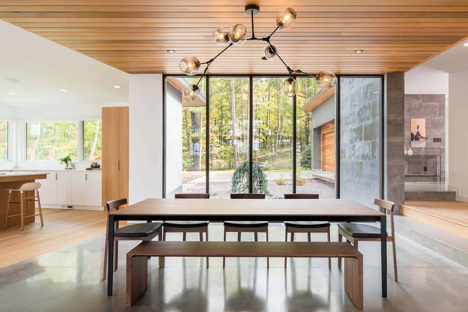 lake-home-contemporary-dining-room