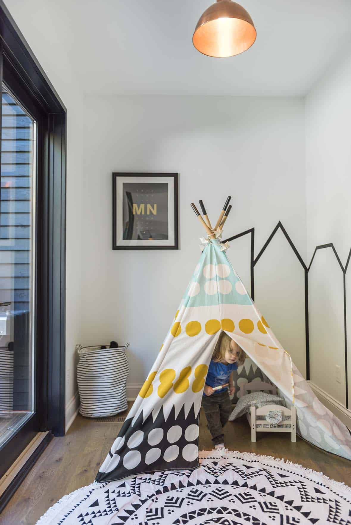 residence-modern-farmhouse-kids-playroom