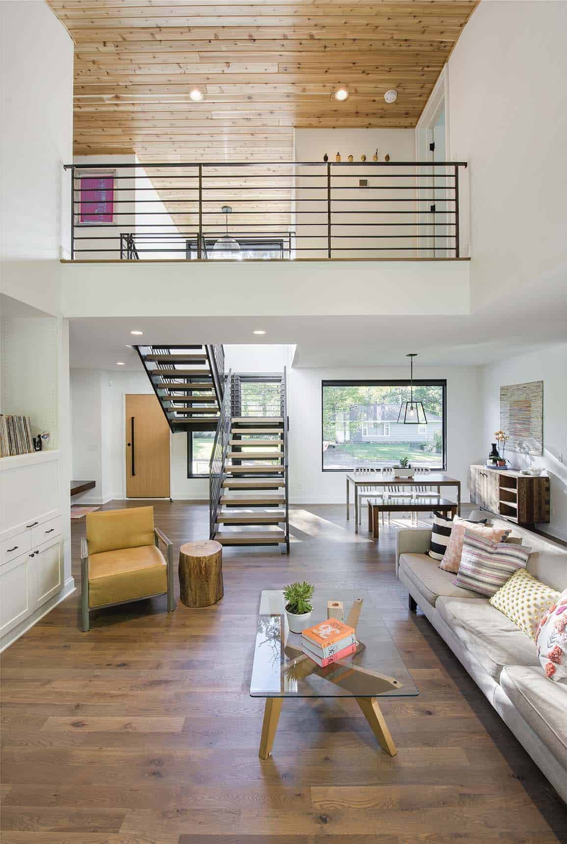 residence-modern-farmhouse-entry