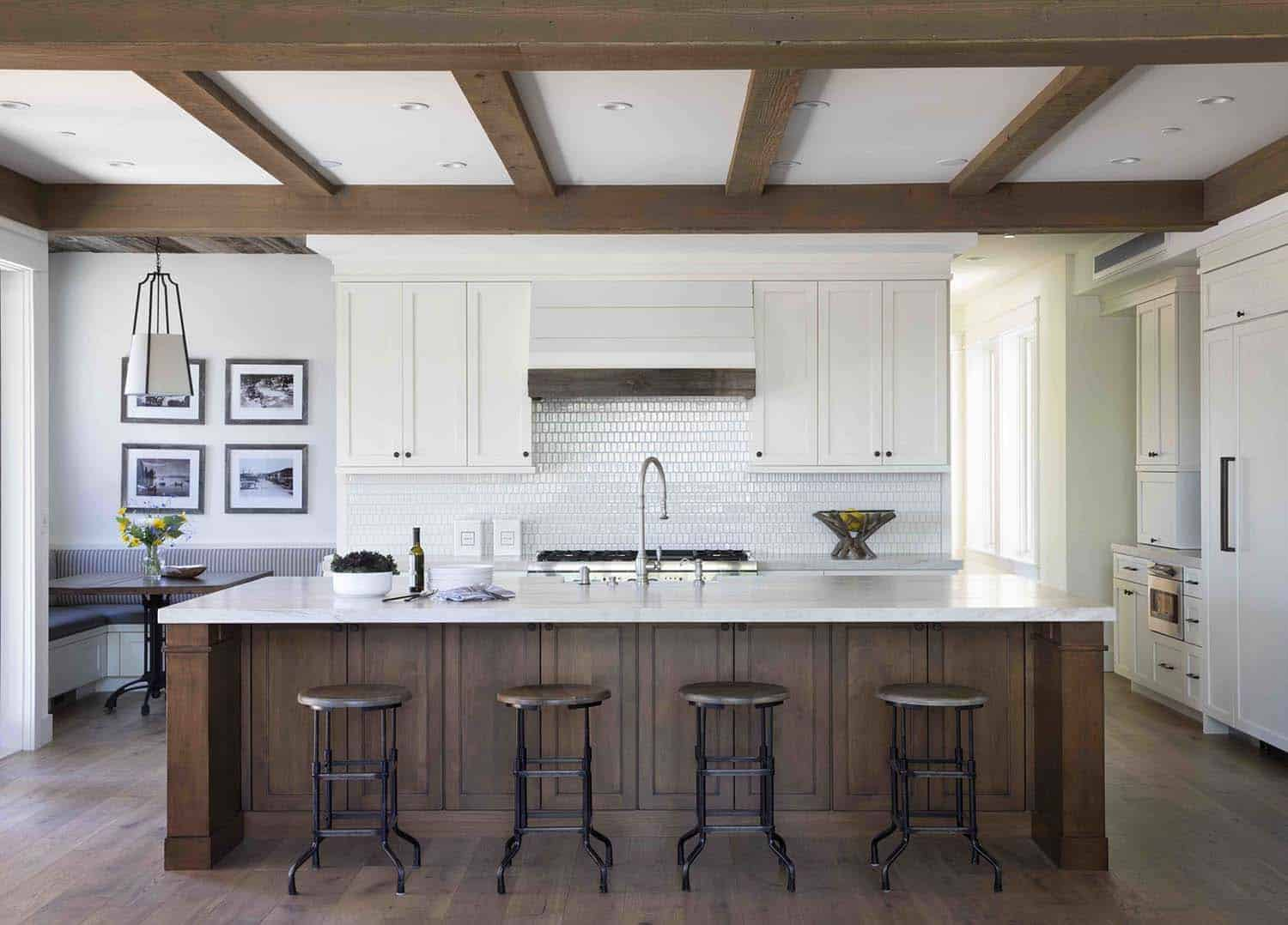 mountain-farmhouse-style-kitchen