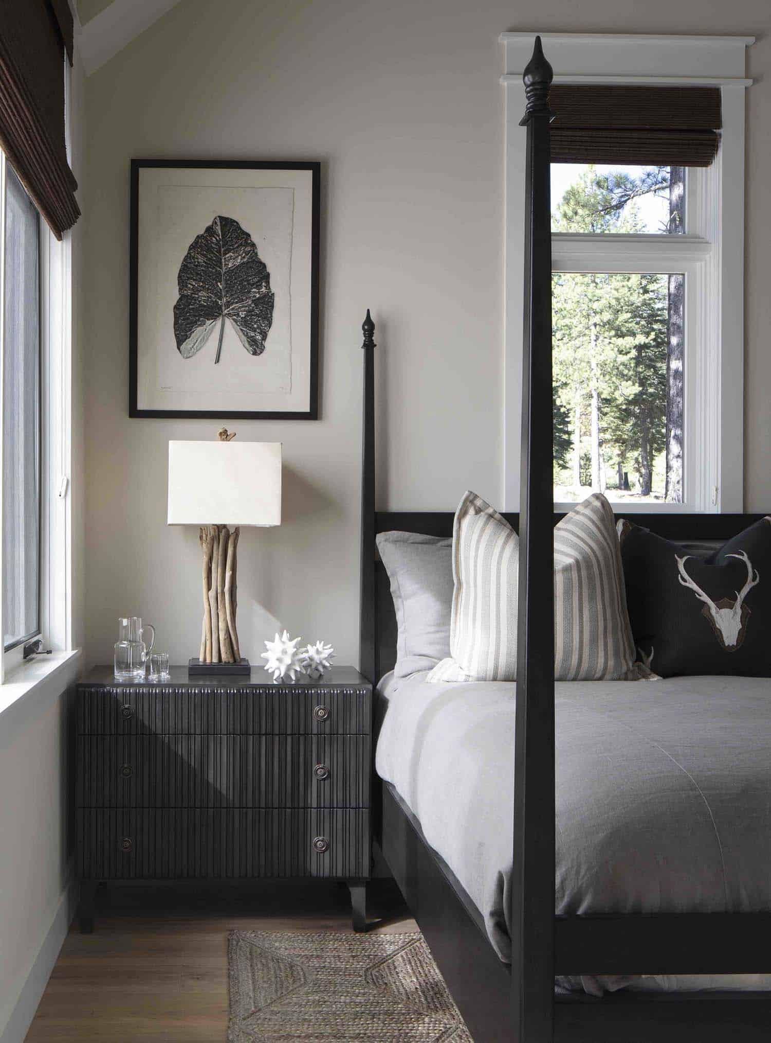 mountain-farmhouse-style-bedroom