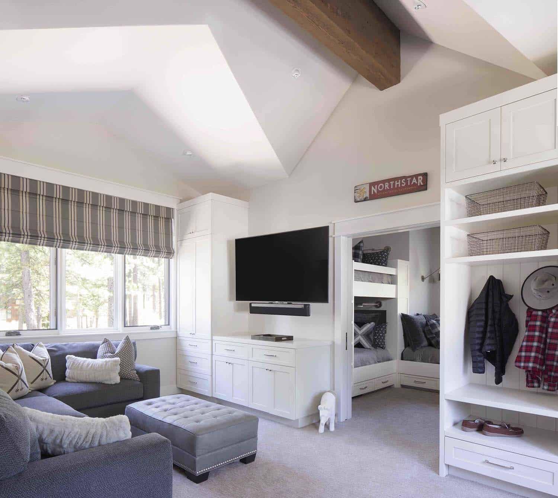 mountain-farmhouse-style-bunk-bedroom