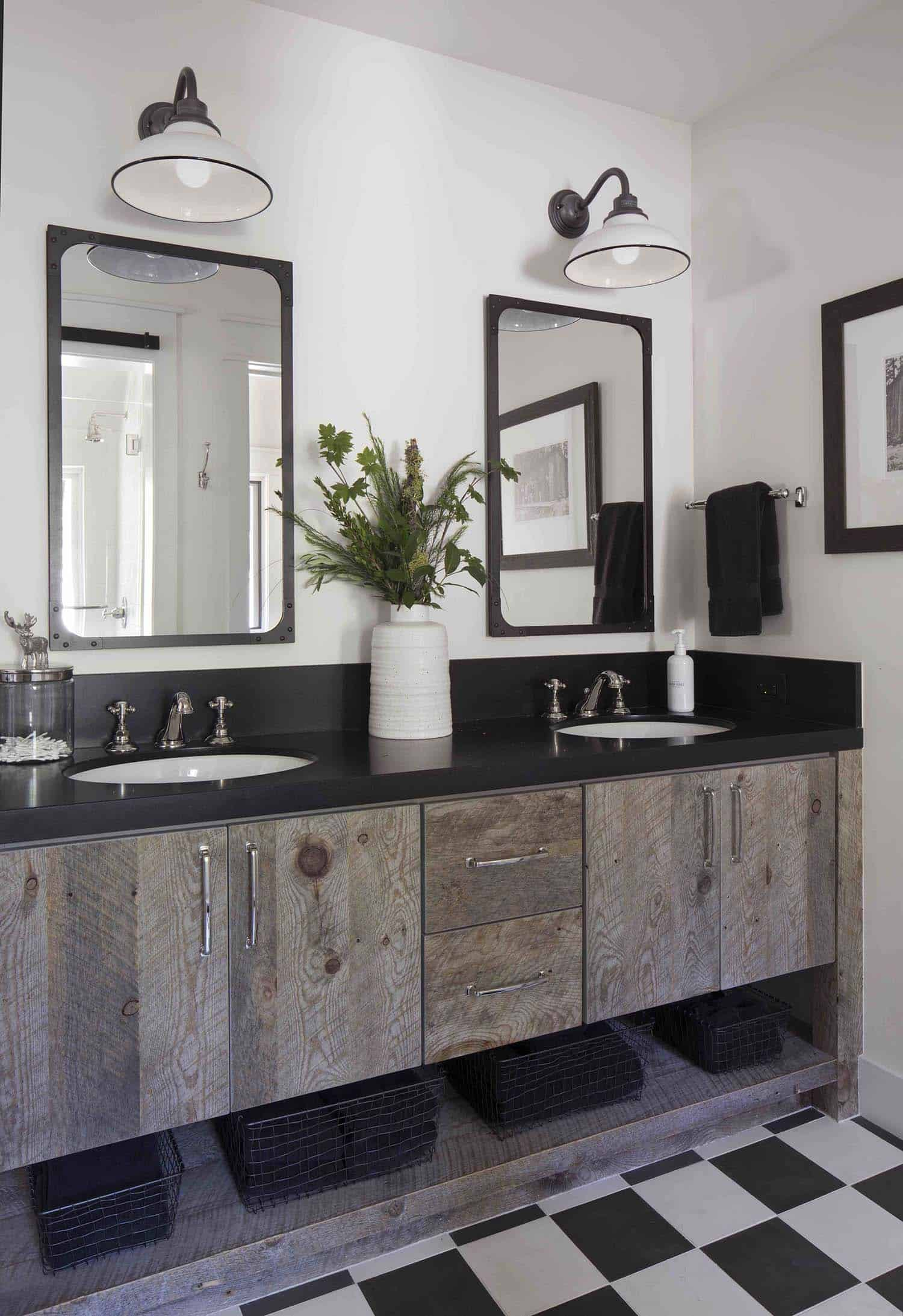 mountain-farmhouse-style-bathroom