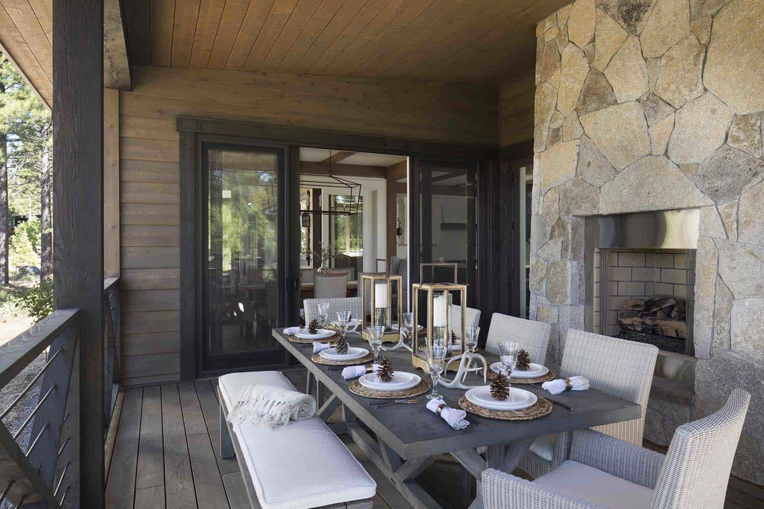 mountain-farmhouse-style-balcony