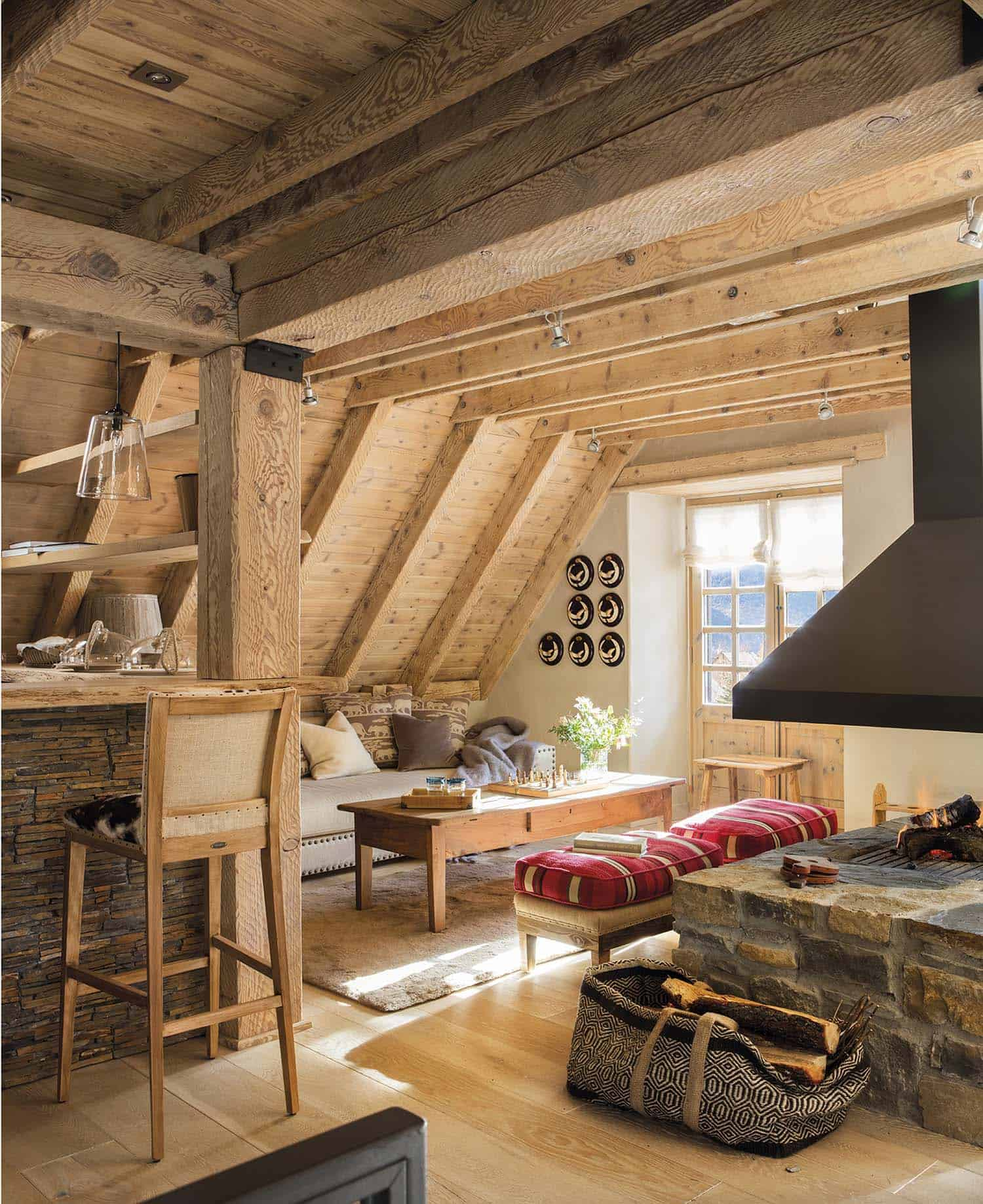 rustic-log-cabin-living-room