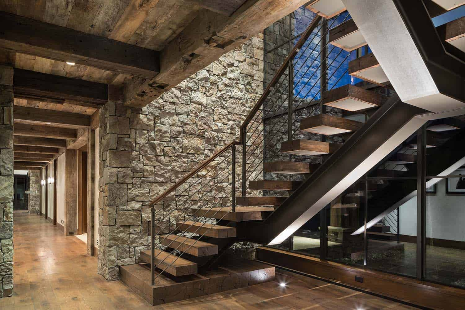 rustic-mountain-home-staircase