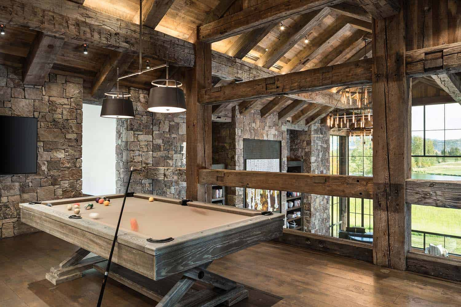rustic-mountain-home-family-room