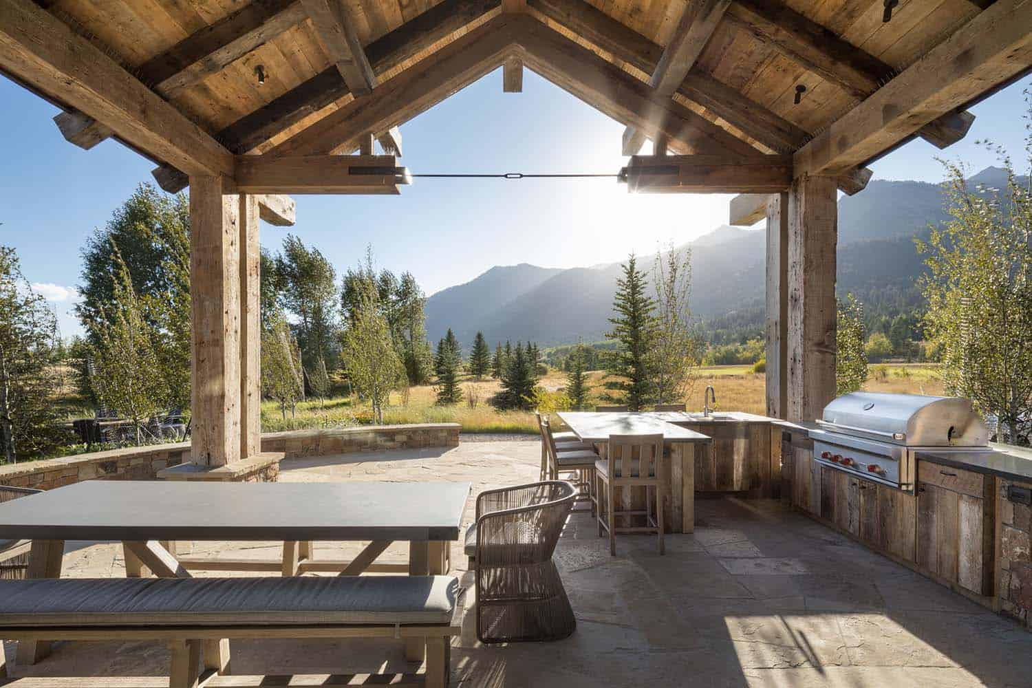 rustic-mountain-home-patio