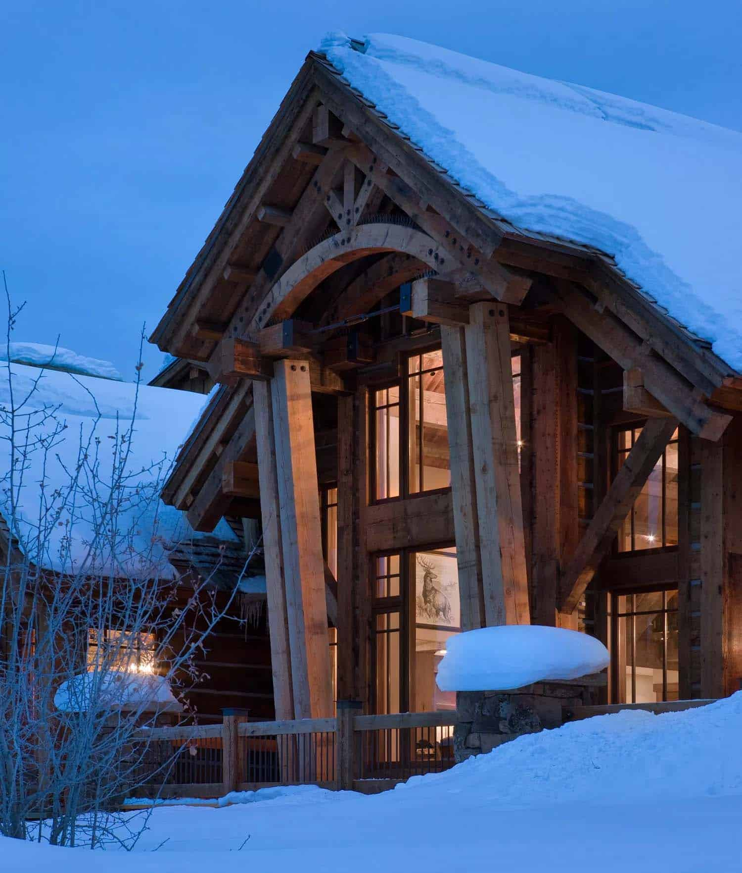 rustic-mountain-lodge-exterior