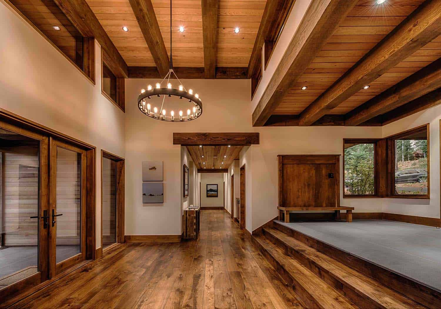 transitional-style-mountain-home-entry