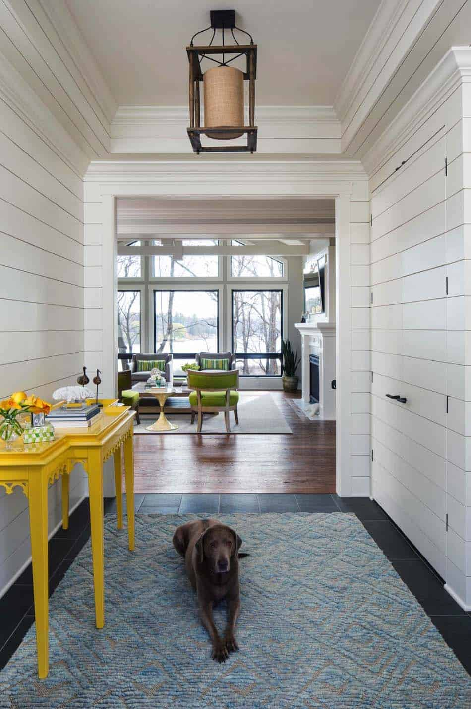 lake-house-entryway-beach-style