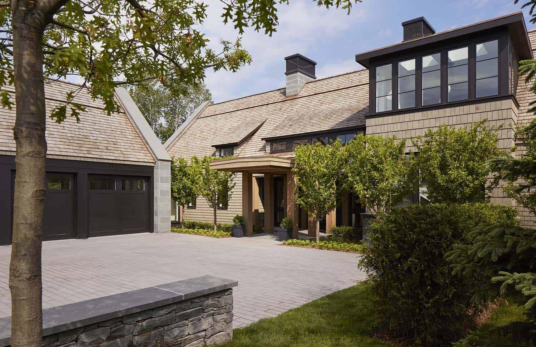contemporary-hillside-home-exterior