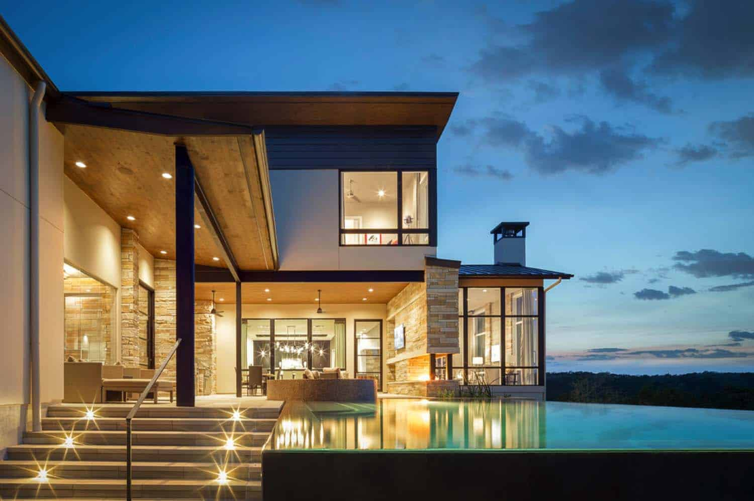 contemporary-hilltop-home-exterior