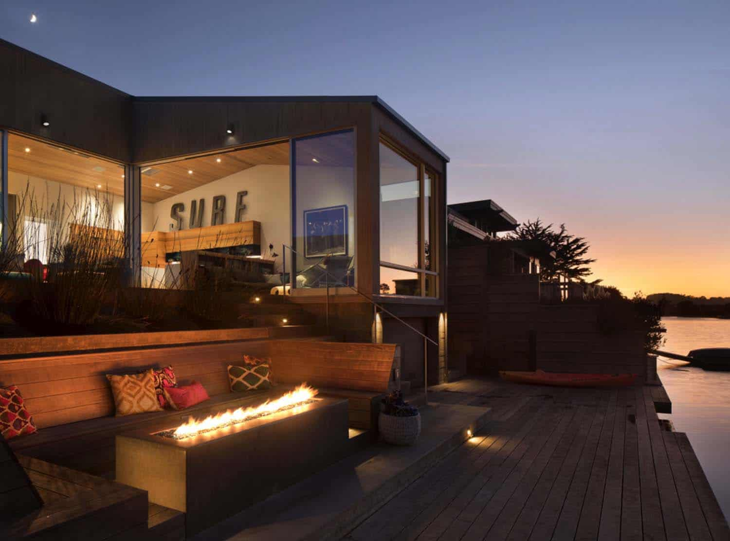 contemporary-outdoor-deck