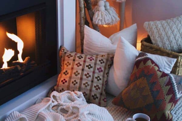 featured posts image for 28 Extremely Cozy Fireplace Reading Nooks For Curling Up In