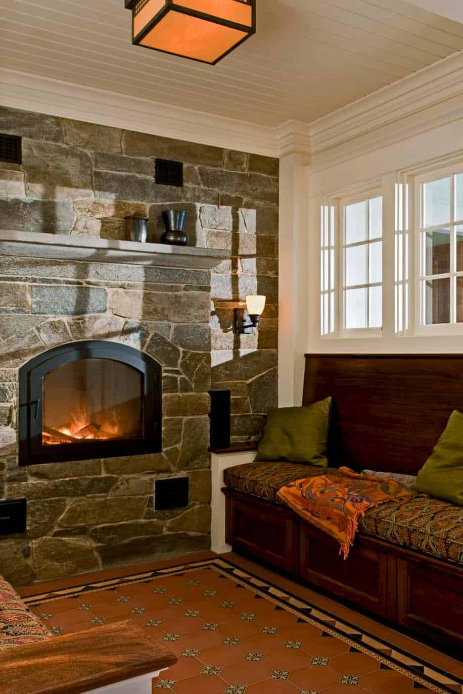 fireplace-reading-nook-living-room