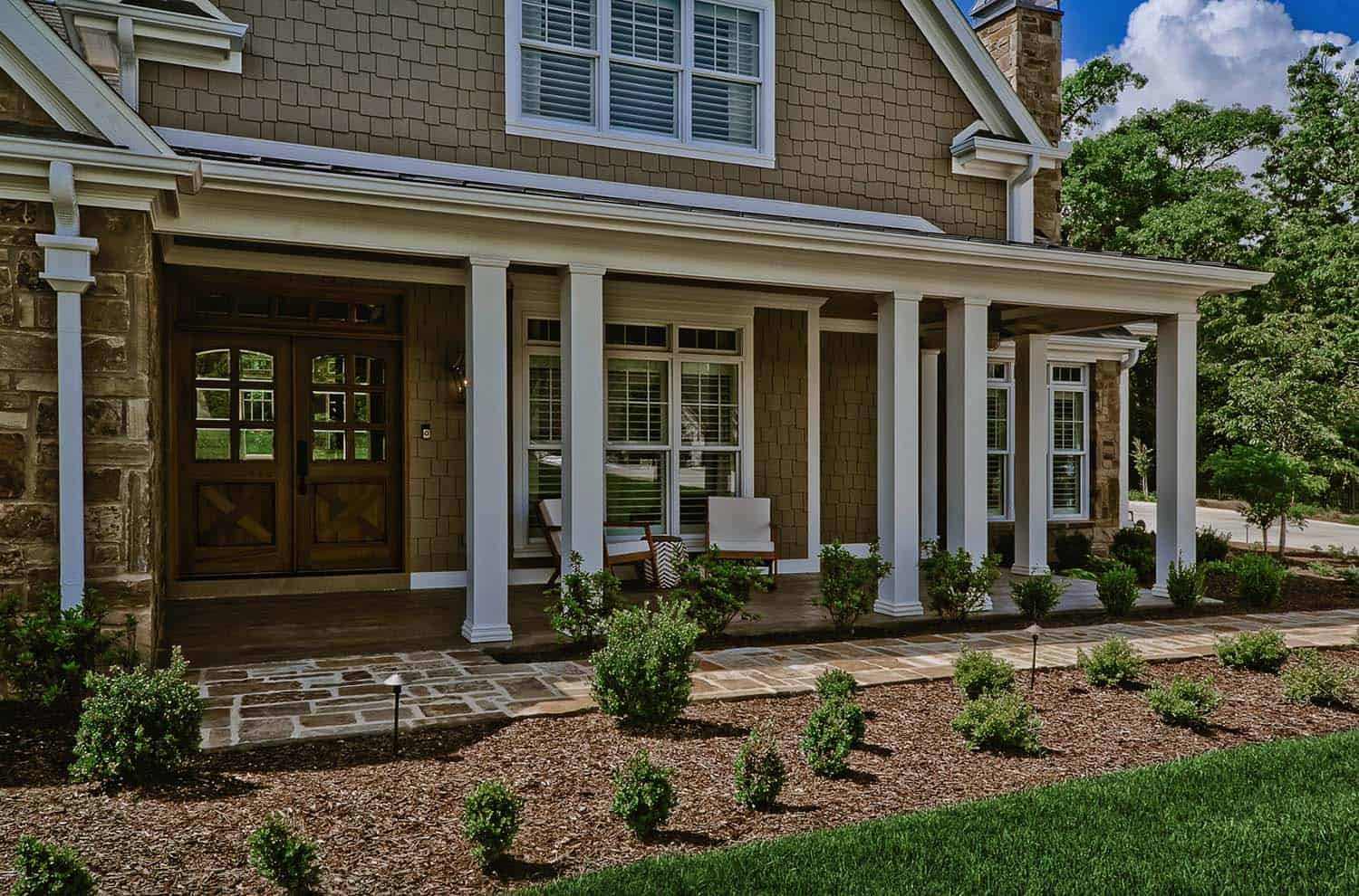 craftsman-style-home-porch